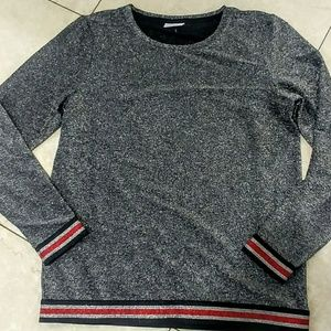 Size Large sparkly grey sweater tee